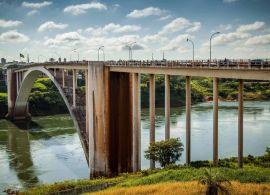 Bolsonaro reafirma compromisso do país com construção das pontes entre Brasil e Paraguai