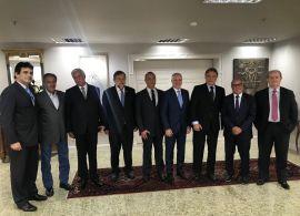 FETRANSPAR e CNT se reúnem com senadores paranaenses