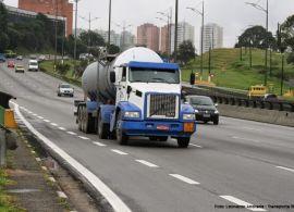 Caminhões têm restrição de tráfego em rodovias federais a partir de hoje por conta do feriado