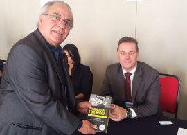 FETRANSPAR - Presidente participa de lançamento de livro